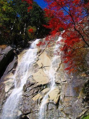 天河滝. 南木曽の滝  漫画「花よりも花の如く」の中に出てくる長野の滝