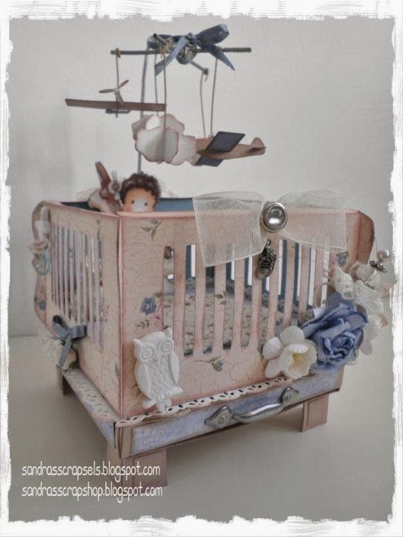 A Baby crib template with a drawer for a small baby gift! This is a great original gift for a newborn or babyshower!   Een Baby Box patroon ...