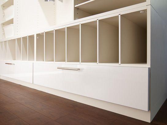 収納家具デザイナー心映プロデュースのシステム収納会社「扉ギャラリー」 大阪市中央区 オーダー家具・システム収納 ショールーム >クローゼット・ベッドルーム