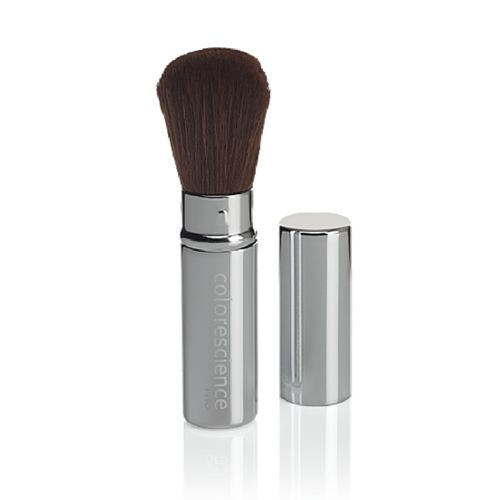This Retractable makeup brush is ultra-soft and made from synthetic hair that provides sheer to full coverage with optimal control. Perfect for on the go!