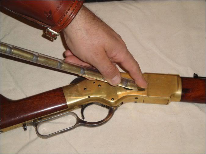 Speed Loader para rifles de palanca tipo Winchester.