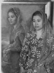 Fatmawati lahir dari pasangan Hassan Din dan Siti Chadijah.[2] Orang tuanya merupakan keturunan Puti Indrapura, salah seorang keluarga raja dari Kesultanan Indrapura, Pesisir Selatan, Sumatera Barat.[3] Ayahnya merupakan salah seorang tokoh Muhammadiyah di Bengkulu. Pada tanggal 1 Juni 1943, Fatmawati menikah dengan Soekarno, yang kelak menjadi presiden pertama Indonesia.