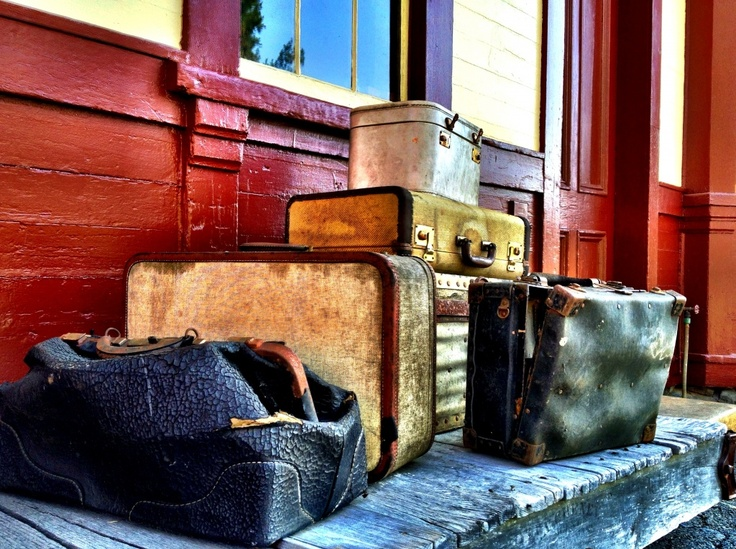 Luggage Different View, by Brooke SmithBus Stations, Old Trains, Stations Reference, Montanada Training, Train Stations, Training Stations Decor, Old Training Stations, Creative Travel, Stations Luggage