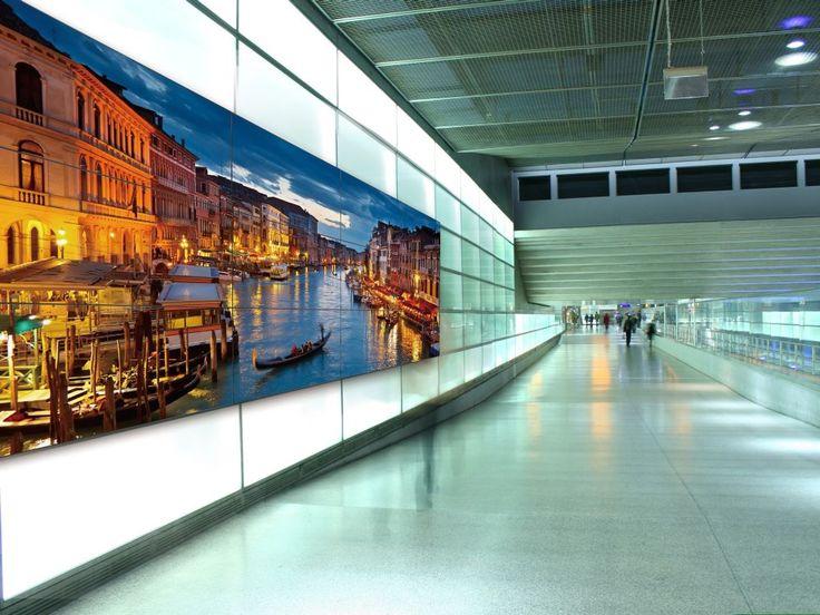 Large Format Displays: Panasonic launcht Videowall-Modell mit dünnerem Bezel – invidis