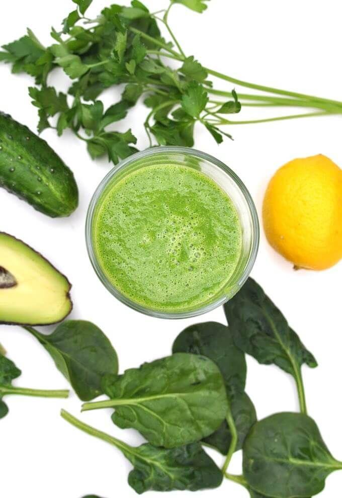 pzrepis na zielony koktajl bez owoców ze szpinakiem