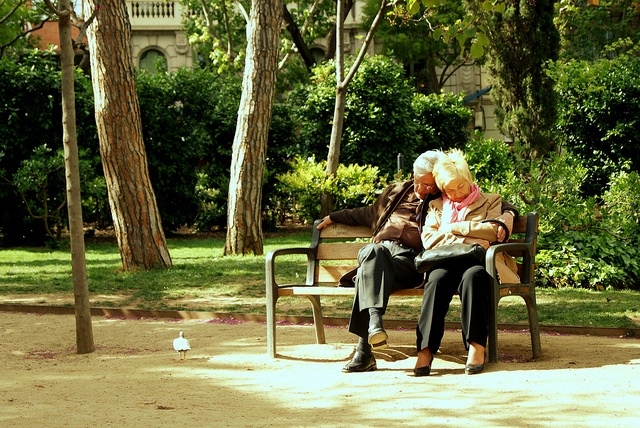 By your side,Barcelona, via Flickr.