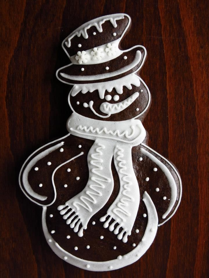 #Gingerbread #Snowman #Cookie with white icing idea.