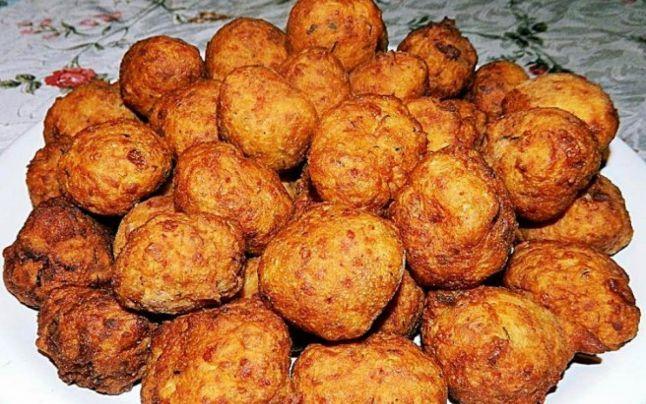Cea mai uşoară reţetă: cum faci chiftele gustoase şi sănătoase din cartofi