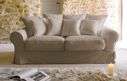 un beau canapé confortable ;)
