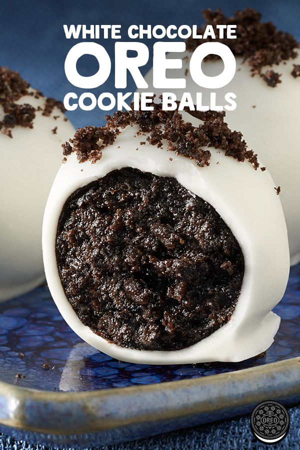 With just OREO cookies, cream cheese and white baking chocolate, these White Chocolate Cookie Balls are perfect for the holidays.