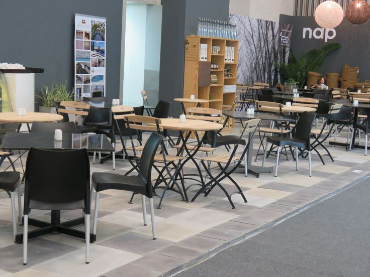 We paved the resturant area at the Homemakers show -Jura straight edge pavers in the colours of plain grey, charcoal and perfectstone grey.