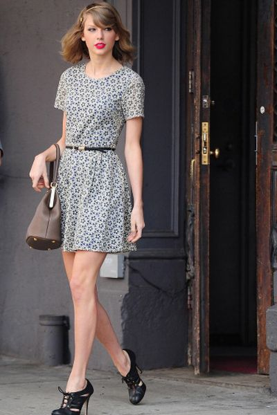 40 Best Celebrities Images On Pinterest Taylor Swift Style Outfit Summer And Summer Clothing