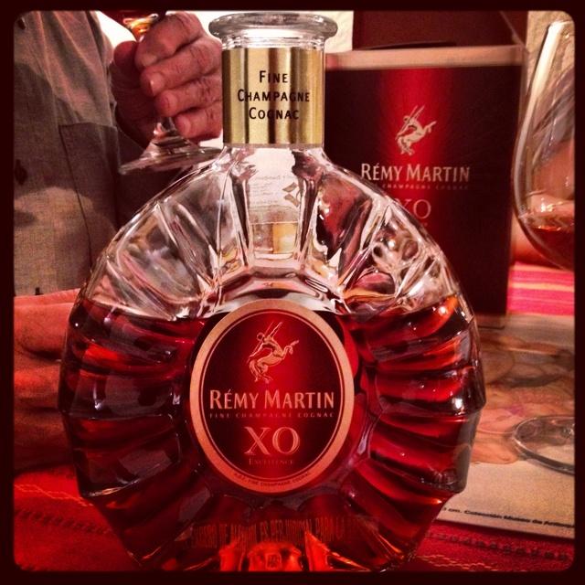 Algún día me daré el gusto de comprarme una botella de mi querido amigo Remy!