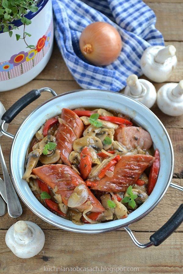 Kiełbasa w sosie paprykowo-pieczarkowym