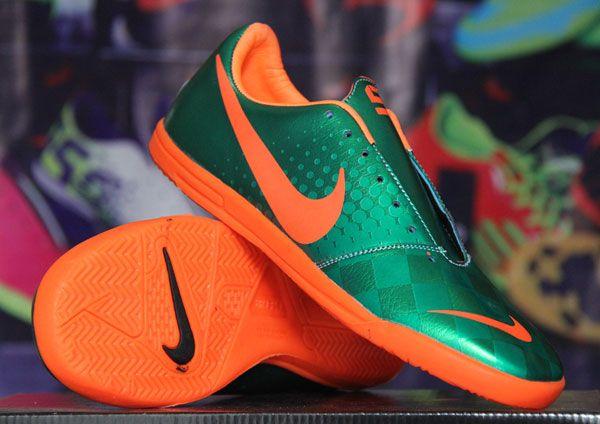 Sepatu Futsal Nike Elastico Hijau Orange Rp 130.000  Pin BB : 277D5CC1 SMS : 0856 5879 0893 | call : 0821 7800 6207 http://sepatufutsalpremium.com/