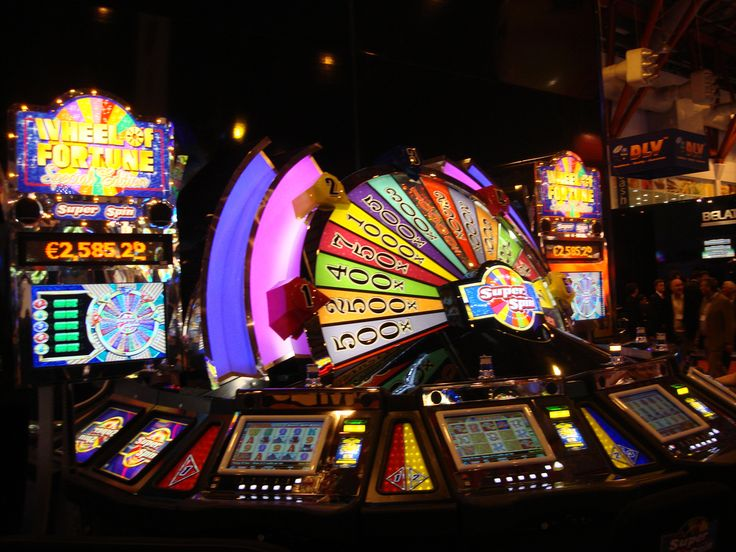 The odds of hitting the #jackpot on some of the progressive machines are 20, 30 or even 40,000,000 to one.