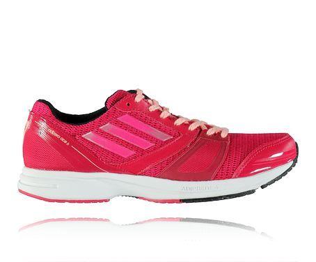 ADIDAS W ADIZERO ACE 6 - Löparskor i damstorlekar för ett neutralt löpsteg. Se skorna här: http://www.stadium.se/skor/damskor/loparskor/206257/adidas-w-adizero-ace-6