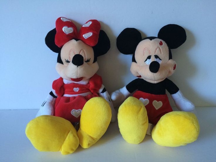 Disney Mickey Mouse And Minnie Mouse Plush Toys W/Kisses And Hearts Hold Hands