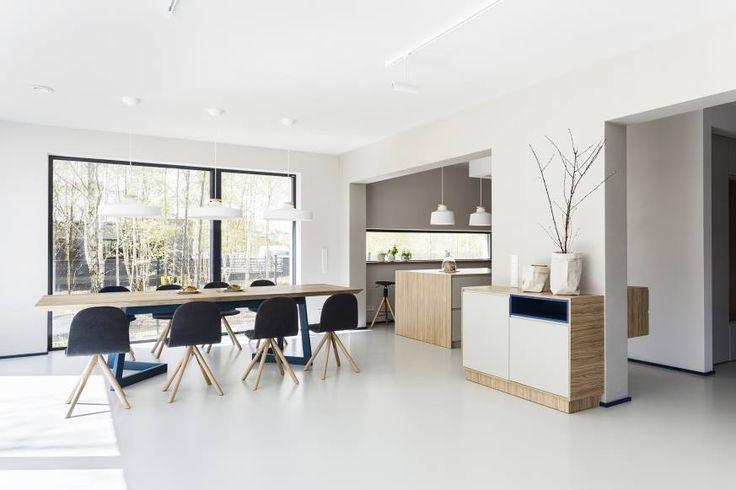Wooden table in modern dinning room  #dinningtable #woodentable #whitefloor