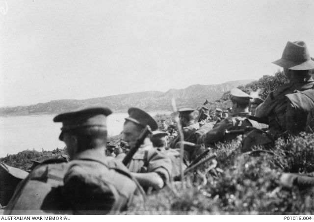Soldiers of the 1st Battalion, Australian Imperial Force, awaiting orders, 25 April 1915. P01016.004