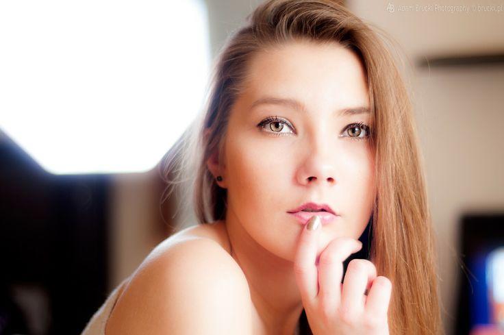 500px / Karolina's portrait by Adam Brucki
