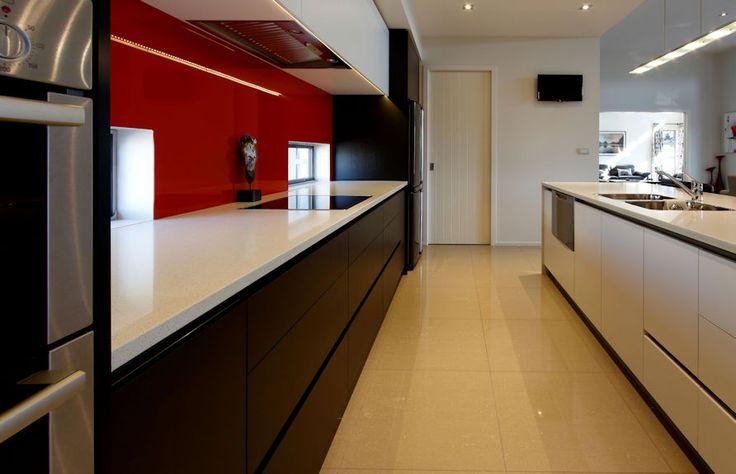 A modern stylist kitchen designed by Sandra Steingrimsson from Steingrimsson and Assoc. #ADMZ #architecture #kitchen