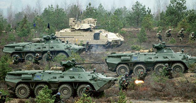 BTR-80A & M2 Bradley