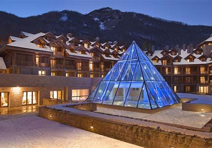 Val di Luce Spa Resort in Abetone, Italy is only a 90 minutes drive from Florence. A Top 10 #Ski Resort
