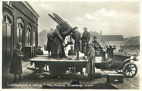 Hojel of Vesting-Artillerie Kazerne aan de Croeselaan 39   1884 - 1990