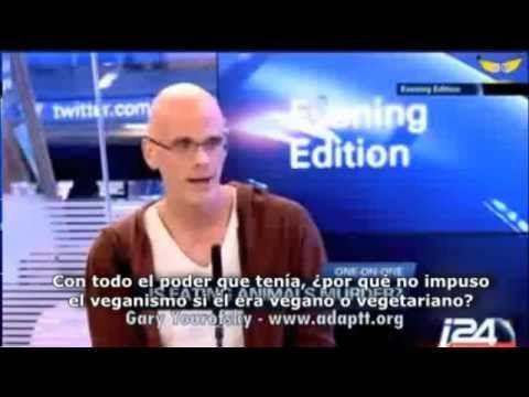 Activista vegano PULVERIZA a reportera ignorante - YouTube