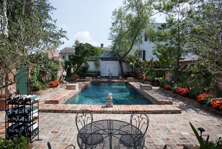 Courtyard pool at the audubon cottages hotel in new for Pool design new orleans