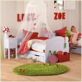 Cute 'garden' bedroom #children - love the red and green - going with a gnome/pixie/garden theme rather than a fairy wonderland...