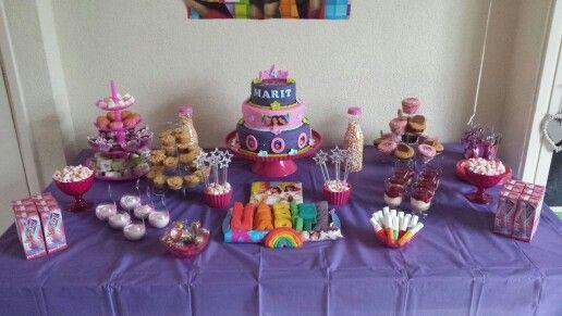 K3/regenboog sweettable voor Marit haar 4de verjaardag!