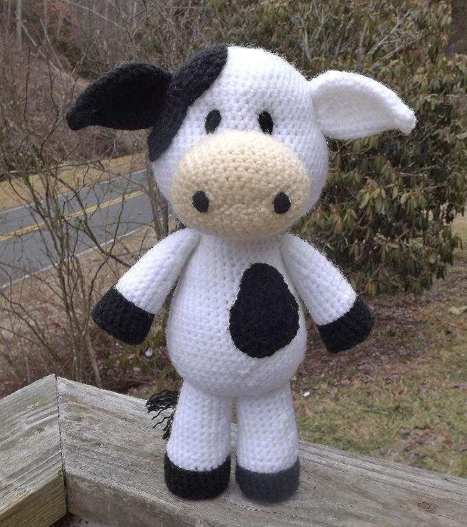 Lil' Cow Amigurumi Pattern via Craftsy