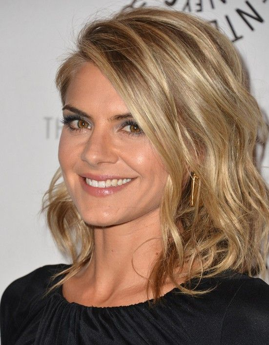 Eliza Coupe S Hairstyles Easy Medium Haircut For Women Hair And