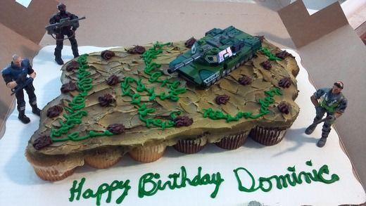 Army cupcake cake