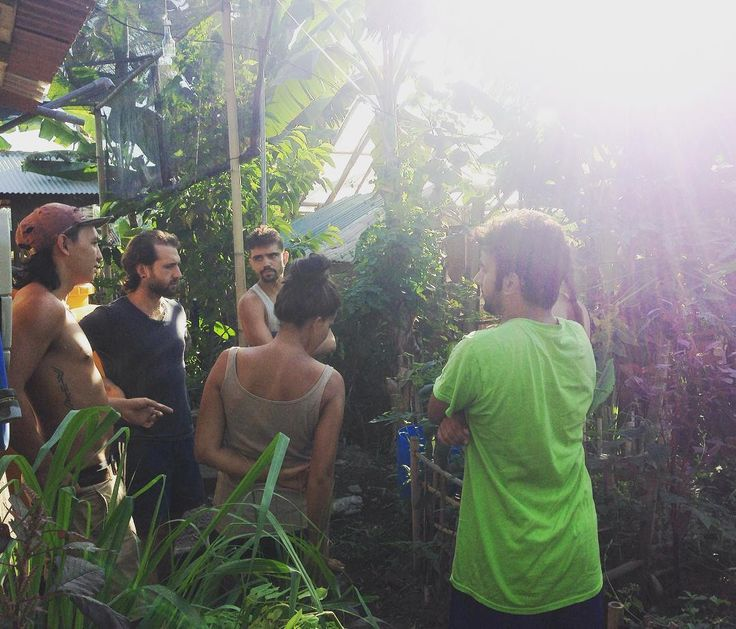 Spending the morning in the garden with our volunteers talking about Zone 1…