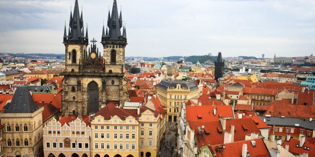 10 Tips to Beating the Crowds at Prague's Top Attractions