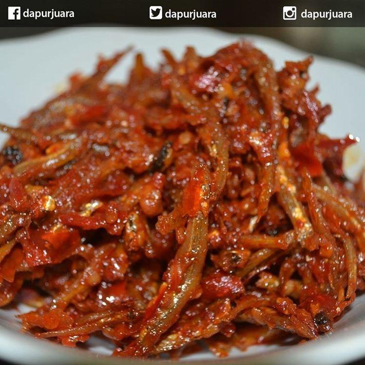 "Gefällt 156 Mal, 4 Kommentare - Dapur Juara (@dapurjuara) auf Instagram: ""Resep Sambal Ikan Teri  bahan 250 gram ikan teri, cuci, goreng kering. 3 helai daun jeruk purut 30…"""