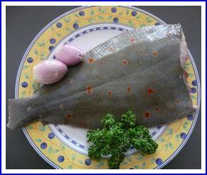Carrelet au four Si l'on se contente de lire une encyclopédie, le carrelet est un poisson plat vivant sur des fonds sablonneux !... Ouais ! Bon d'accord !... Qu'il est connu également sous le nom de plie... Bof ! Son nom latin est pleuronectes platessa......
