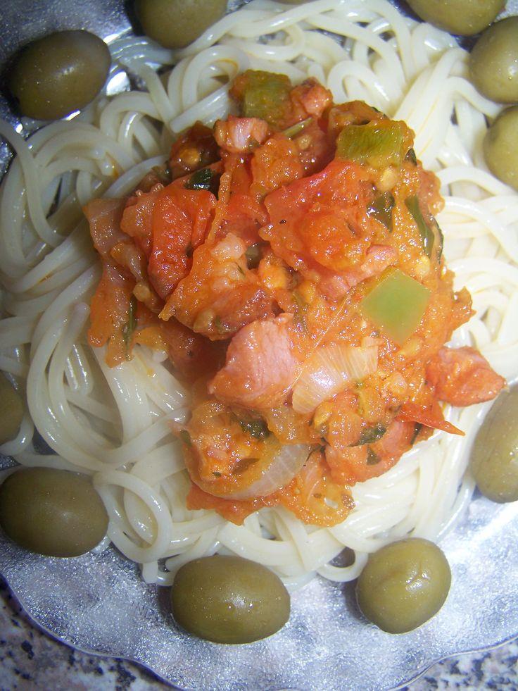 Spaghetti with bacon sauce