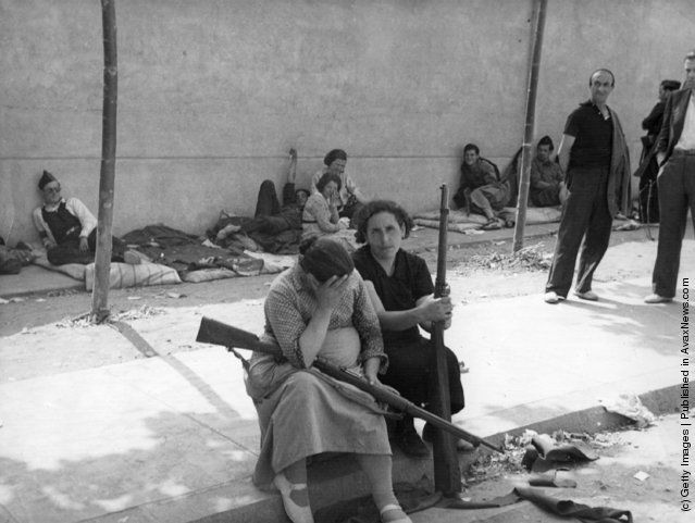 The Spanish Civil War. Women were among the Republican combatants during the Spanish Civil War. (Photo by Fox Photos/Getty Images). 1936