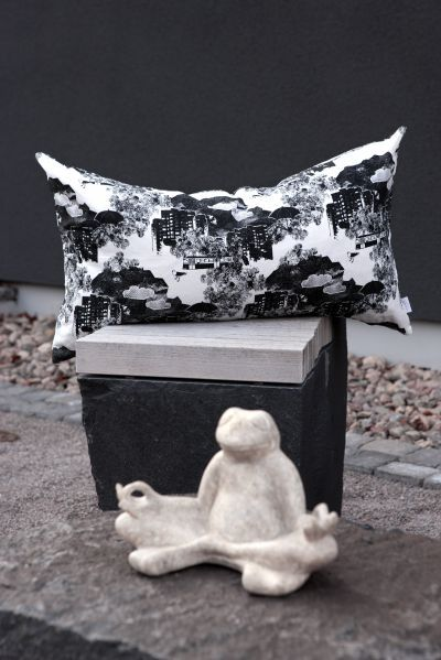 Mairo Kung Bore pillow. Designed by Anna Backlund.