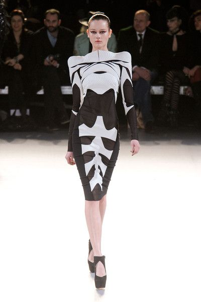 Thierry Mugler   skeledress