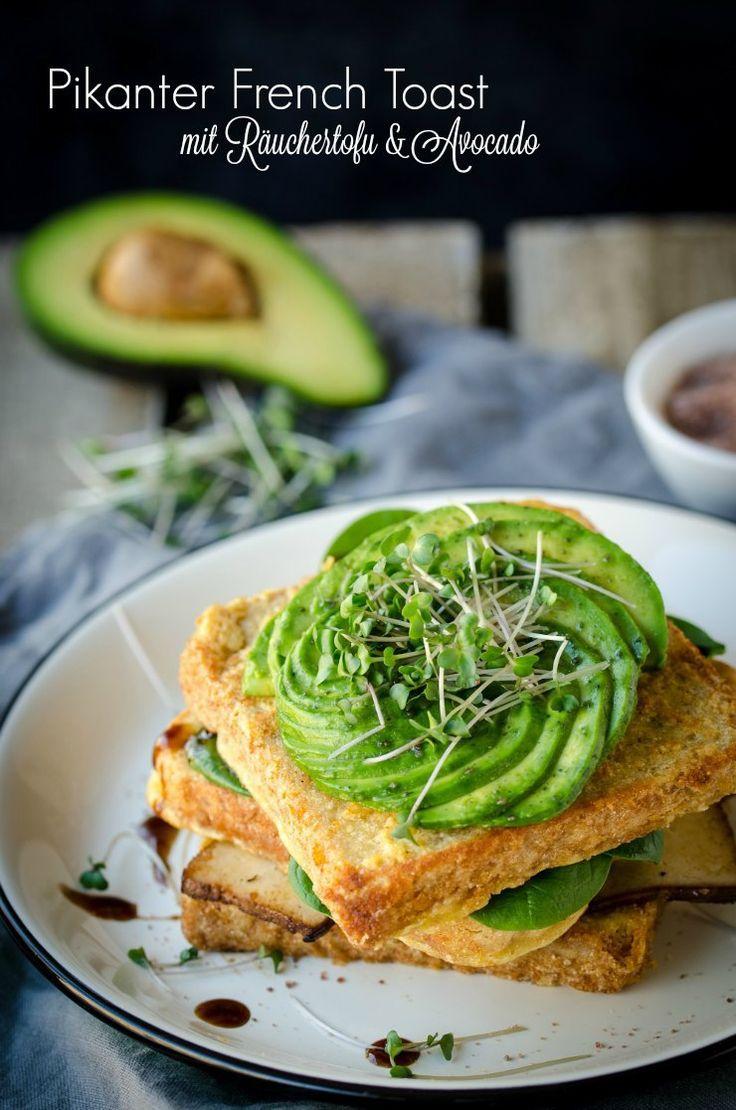 Rezept Pikanter French Toast vegan mit Avocado und Sprossen. Für ein pikantes Frühstück