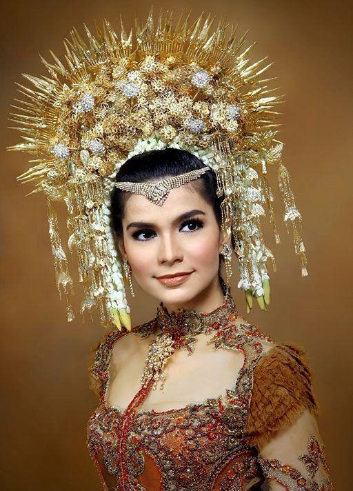 Vintage tiara Indonesian Sumatra wedding crown headdress comb hair accessory