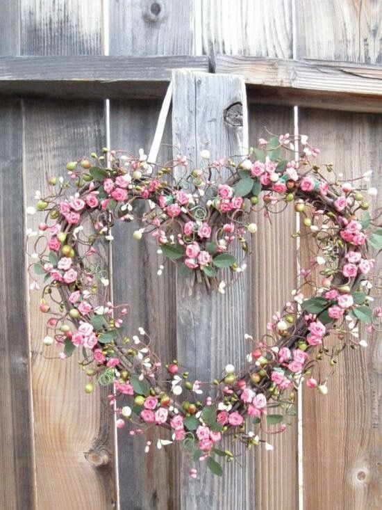 Heart wreath with sweetheart roses