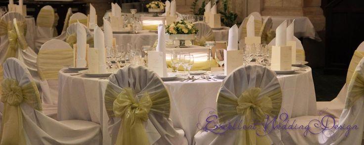Fehér és ekrü-esküvői dekoráció-vendégasztal
