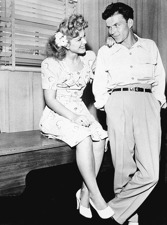 """ Frank Sinatra and singer Eileen Barton c. 1944 """