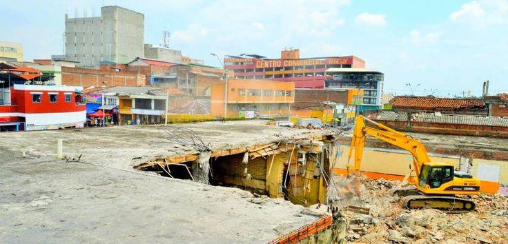 Avanzan las demoliciones en el área de renovación urbana #Cali #Colombia
